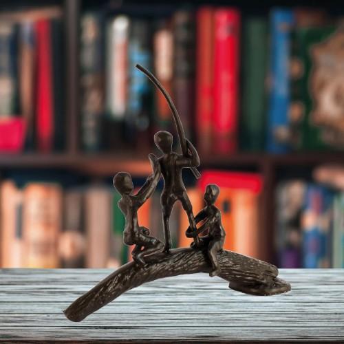 BOYS ON LOG Elur Iron Figurine 19cm Mocha