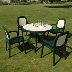 Nardi's Green Resin Garden Furniture