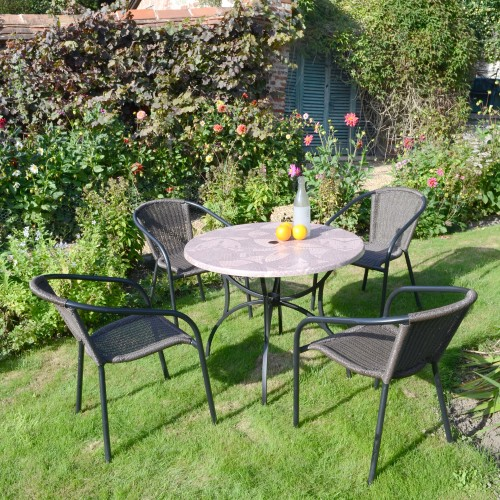 Romano Patio table with San Luca chairs