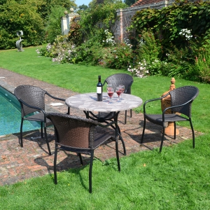 Romano Patio table with San Tropez chairs