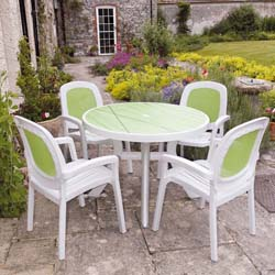 Nardi's White Resin Garden Furniture