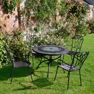 Alcira table with Verona chairs