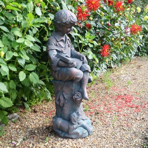 Arthur statue bronze effect