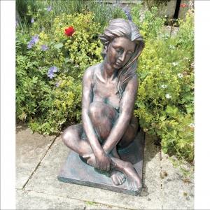 Dorothy Statue