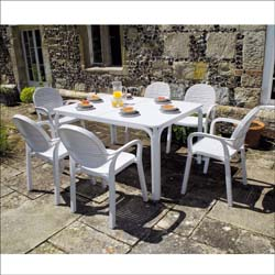 Lauro table - white with Gardenia chairs