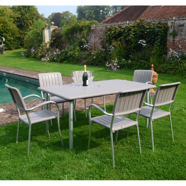 Maestrale 200 - Turtle Dove with Musa chairs
