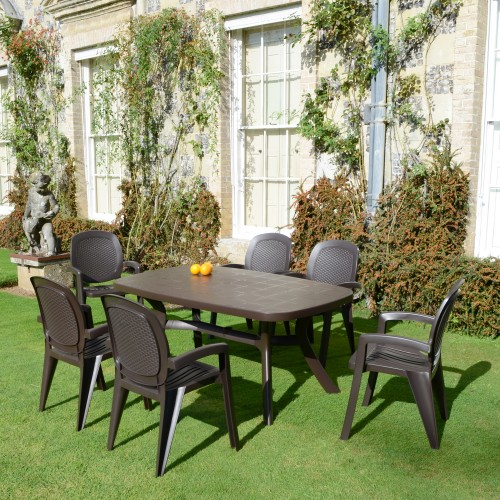 Toscana 165 table- plain, with Creta wicker chairs
