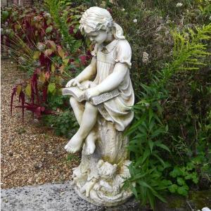 Daphne Statue stone colour