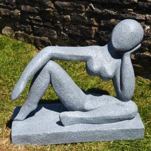 Nikita XST 539 Contemporary Garden Sculpture