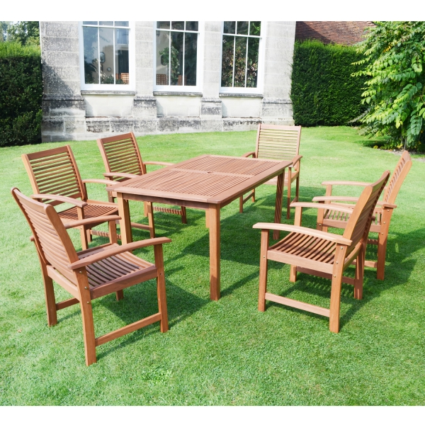 Tornio Table with Tornio Chairs