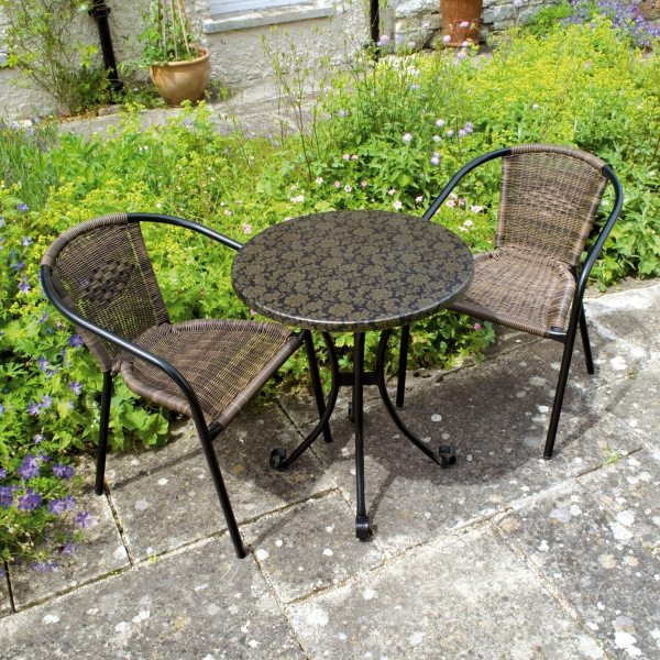 Fleuretta Bistro table with San Remo chairs