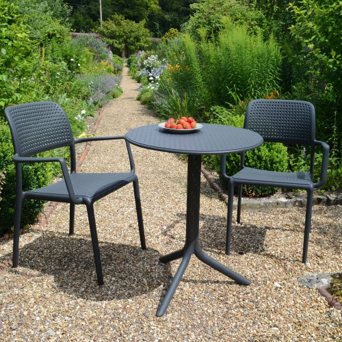 Step table with Bora chairs in Anthracite