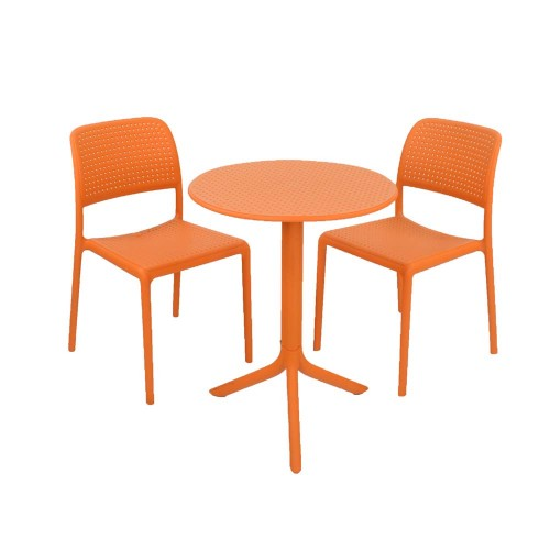Step Table with Bistrot chairs orange
