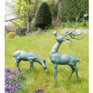 Deer small pair