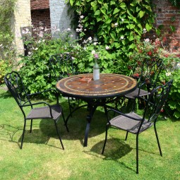 Santa Susanna table with Verona chairs