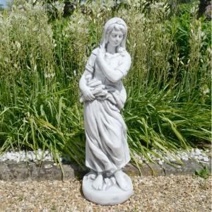 Wilma in Winter garden statue