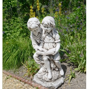 Jack & Jill reading statue